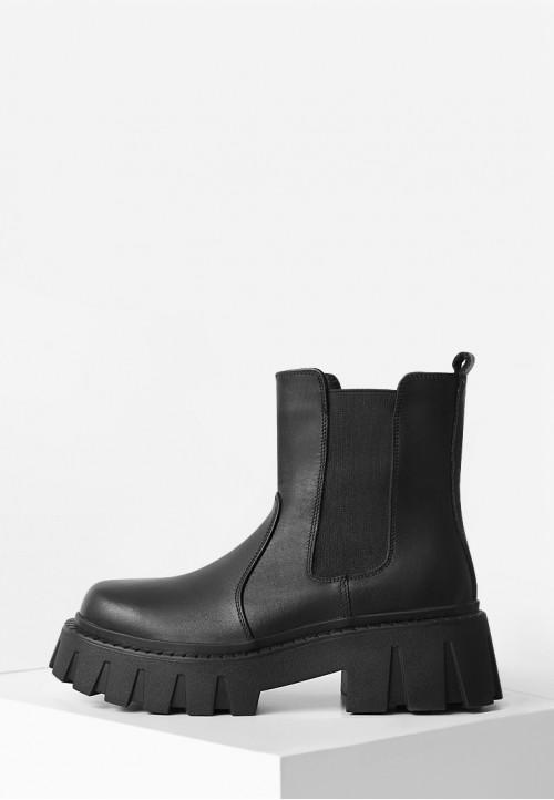 Черные кожаные ботинки без застежек с резинками