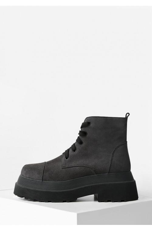 Серые замшевые ботинки женские демисезонные на платформе