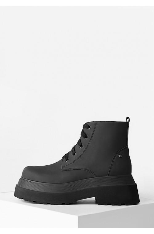 Черные ботинки из натуральной матовой кожи на платформе