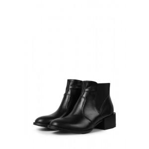 Демисезонные кожаные ботинки на каблуке