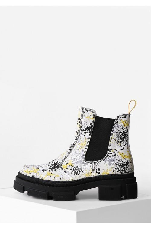 Яркие кожаные демисезонные ботинки с резинками