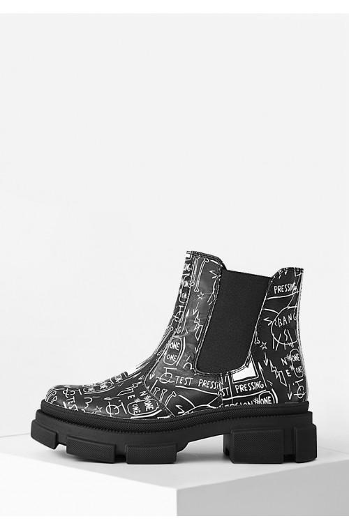 Демисезонные ботинки челси с надписями на байке