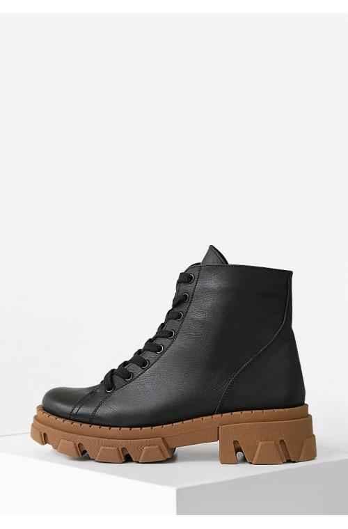Женские черные ботинки из натуральной кожи