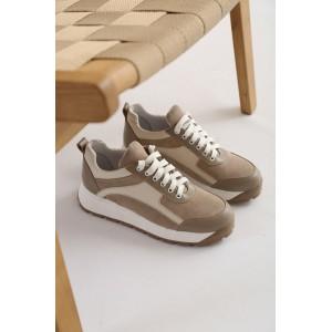 Бежевые кроссовки в комбинации натуральной кожи и замши