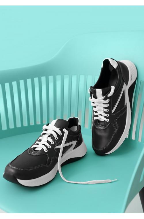 Мужские черные кроссовки с белыми вставками из натуральной кожи