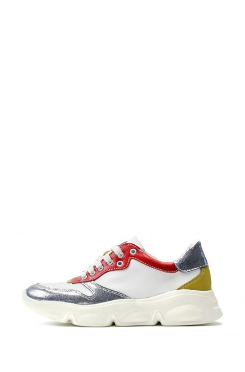 Кожаные светлые кроссовки с блестящими вставками