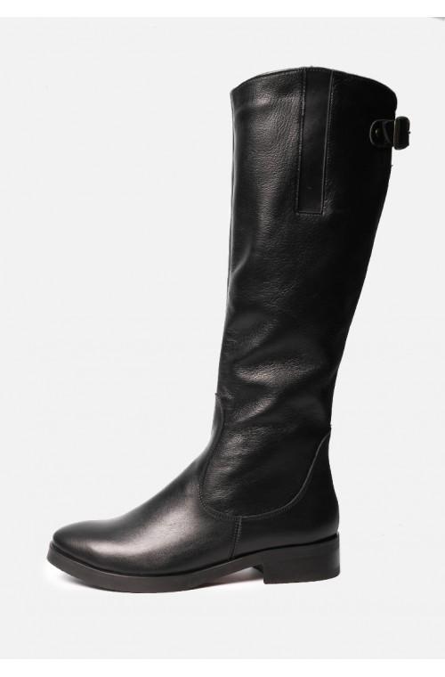 Элегантные кожаные женские сапоги на маленьком каблуке