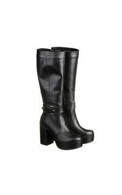 Элегантные кожаные сапожка на зиму на высоком каблуке