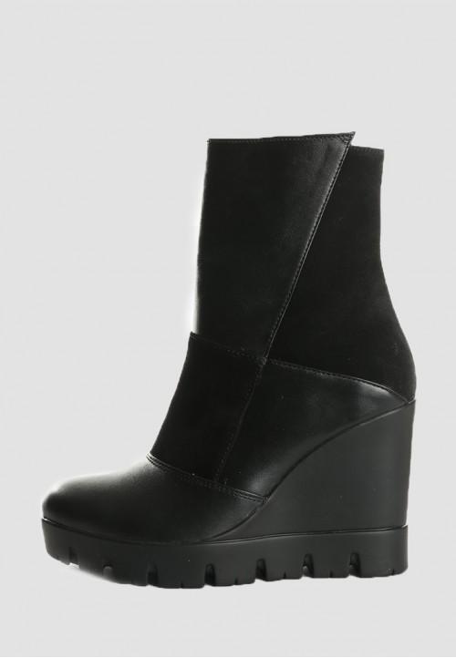 Купить кожаные ботинки на танкетке