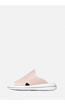 Кожаные шлепанцы с перфорацией нежно-розового цвета