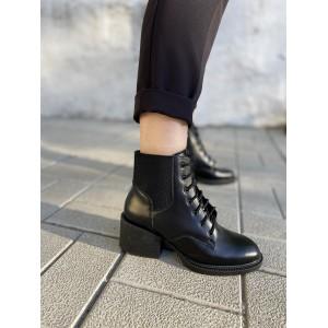 Демисезонные ботинки на небольшом каблуке
