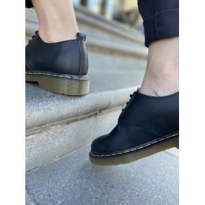 Кожаные черные туфли со шнурком