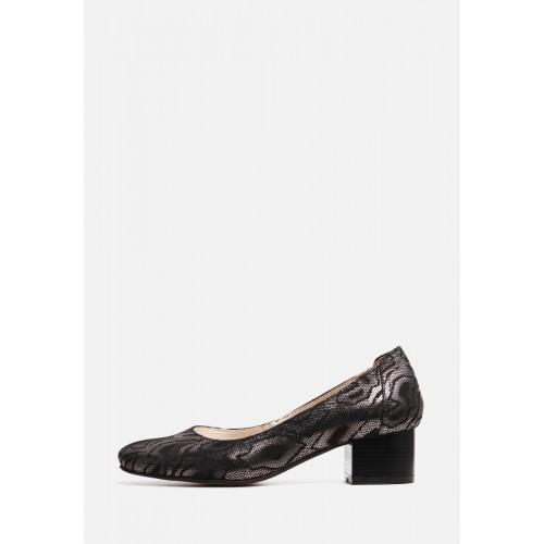 Кожаные туфли на небольшом каблуке