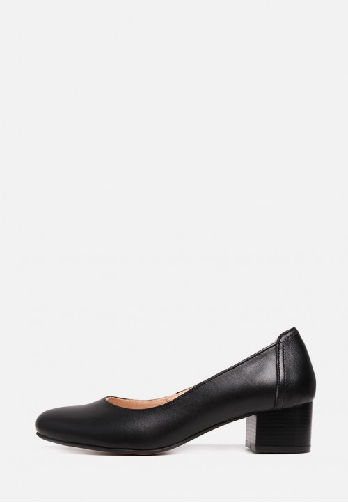 Кожаные туфли лодочки черного цвета на небольшом каблуке