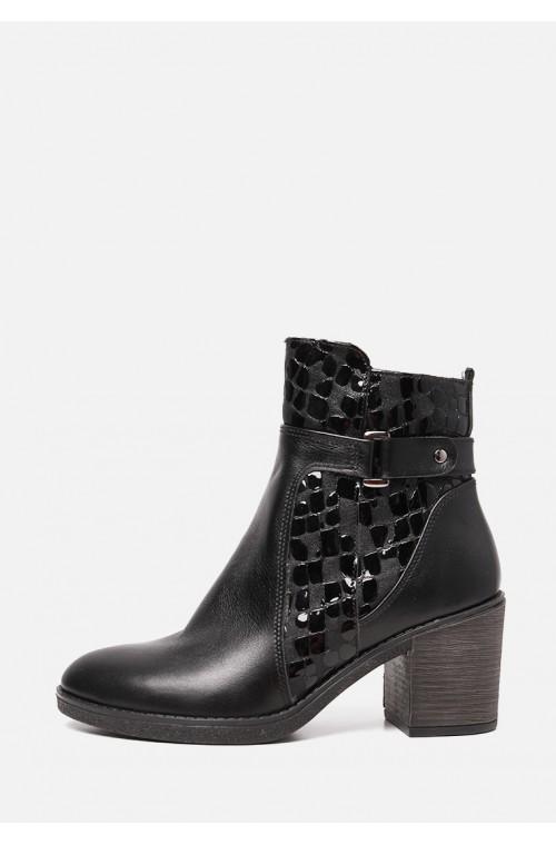 Демисезонные ботинки в комбинации кожа и лак на среднем каблуке