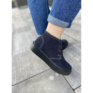Короткие зимние ботинки на шнурке