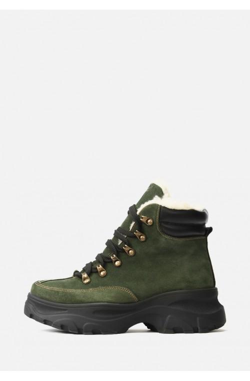 Зеленые зимние спортивные ботинки