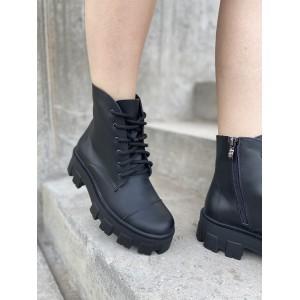 Массивные ботинки в коже черного цвета