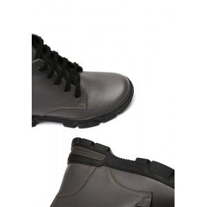 Зимние кожаные ботинки на мягкой не скользящей подошве