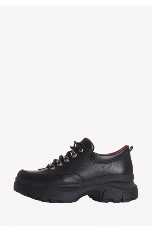 Короткие ботинки из натуральной кожи на высокой платформе