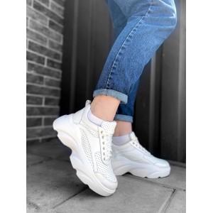 Кожаные белые перфорированные кроссовки на высокой подошве