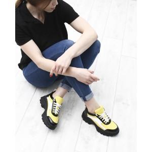 Желтые кожаные кроссовки с перфорацией