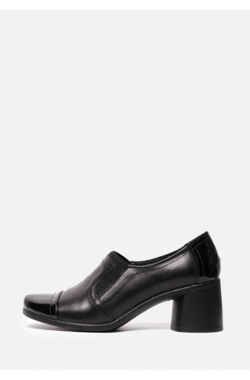 Кожаные туфли на устойчивом каблуке с лаковым носком