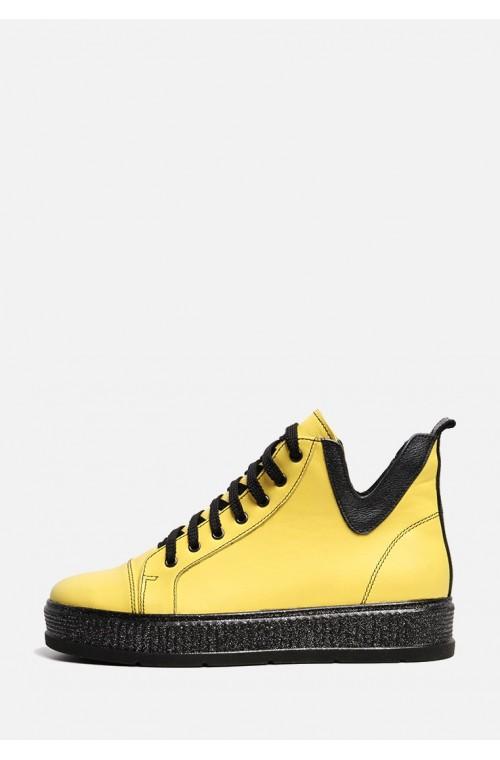 Желтые демисезонные кожаные женские спортивного стиля