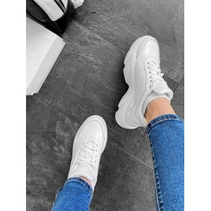 Кожаные белые  кроссовки на высокой подошве