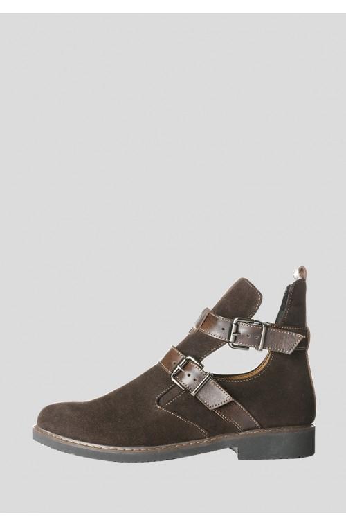 Коричневые замшевые ботинки на низком ходу с пряжками