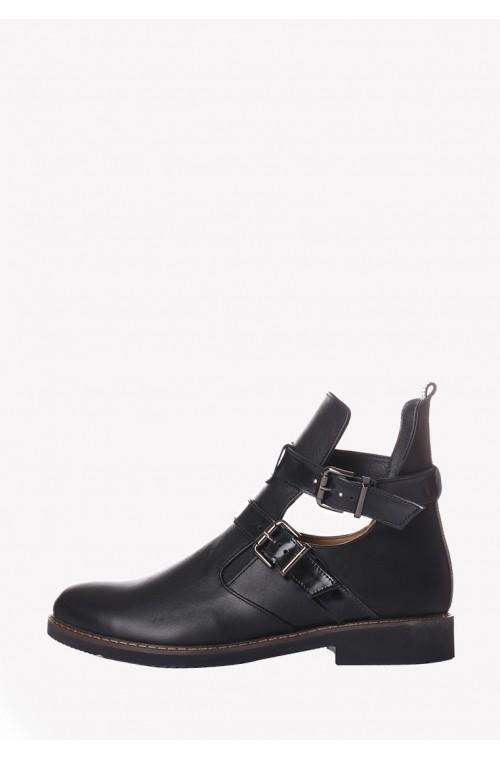 Черные кожаные ботинки на низком ходу с двумя пряжками