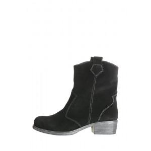 Замшевые ботинки с широким голенищем