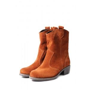 Замшевые рыжие ботинки с широким голенищем