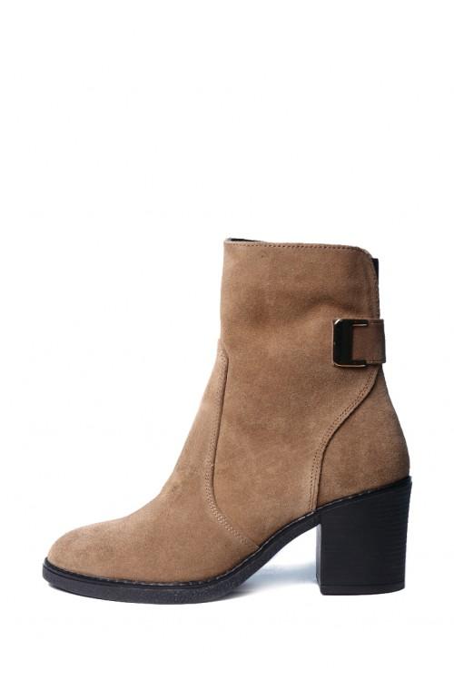 Женские весенние ботинки на среднем каблуке