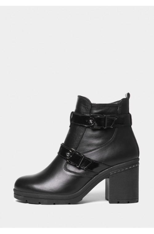 Зимние кожаные ботинки на широком и устойчивом каблуке