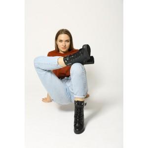 Кожаные ботинки с пряжкой на широком каблуке