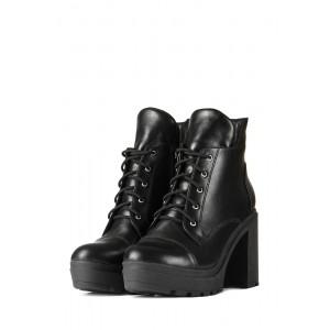 Зимние женские ботинки на высоком каблуке