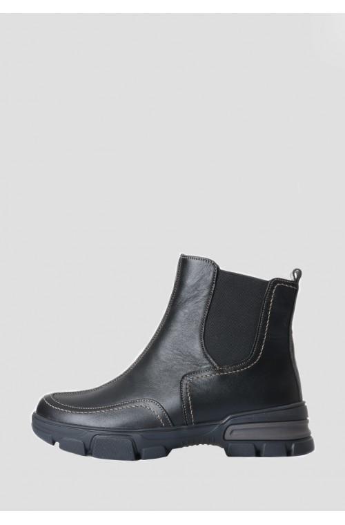 Модные кожаные зимние женские ботинки с резинками
