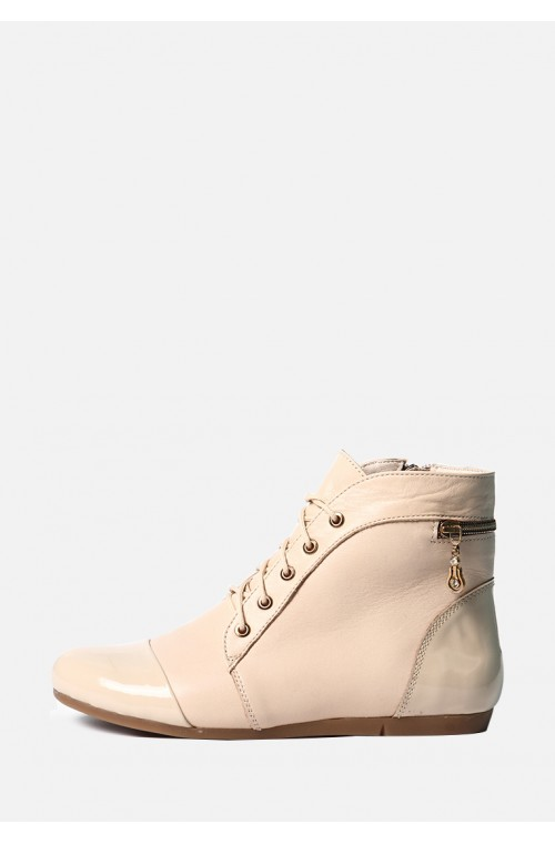 Бежевые ботинки на змейке