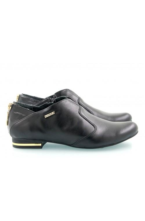 Классические туфли черного цвета